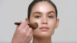 How to Apply NEW Translucent Setting Powder Glow | Laura Mercier